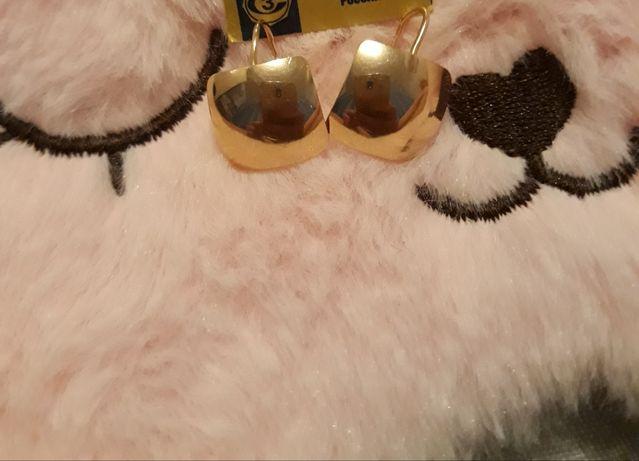 Золотые серьги.Очень красивые.