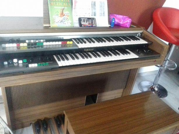 Orga - pian yamaha