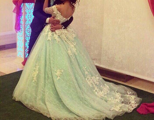 Шикарное платье 70000тг