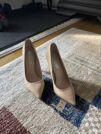 Pantofi dama numarul 35, o singura utilizare