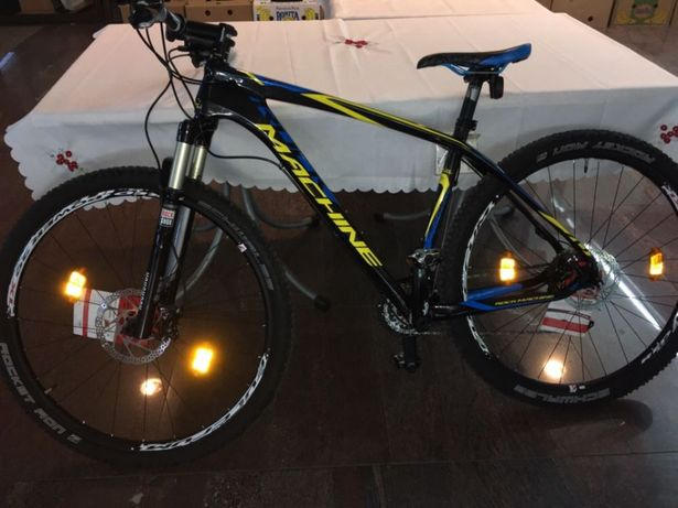 Bicicleta full carbon 29 er
