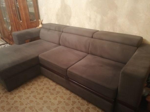 Срочно продаётся угловой диван