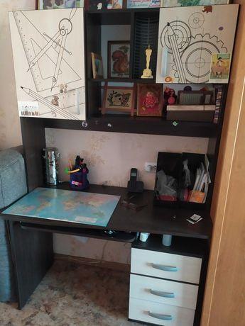 продам писменный стол