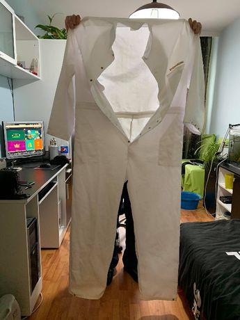 Медицински бели манти и цял костюм
