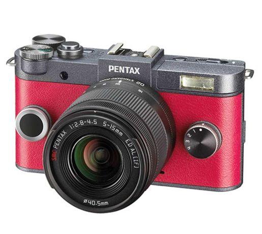 Фотоаппарат  Pentax Q-S1 красный + зум-объектив 5-15mm
