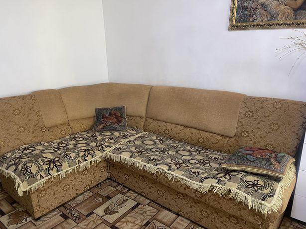 Продам угловой диван и кресло 90000 тенге