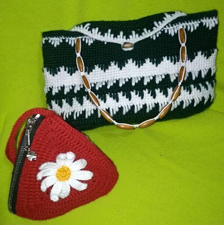 Две малки дамски чанти
