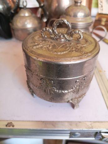 Bombonieră argintată empire