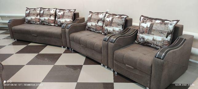 Продаю диван мебель