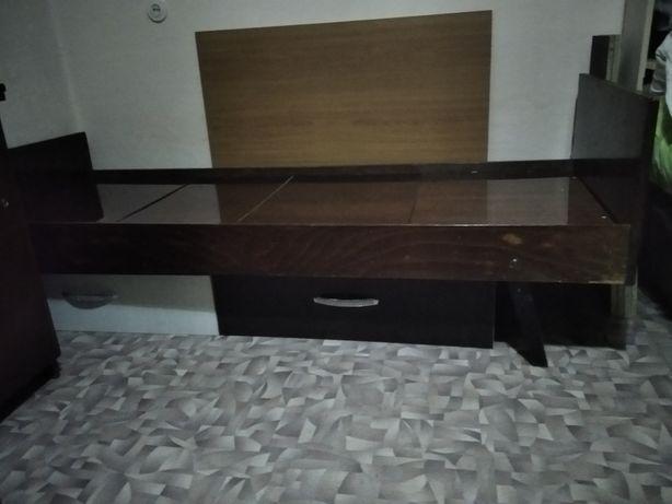 Две кровати в отличном состоянии