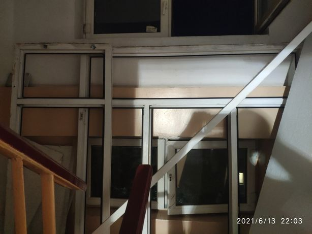 Продам оконные рамы со стеклом , в хорошем состоянии