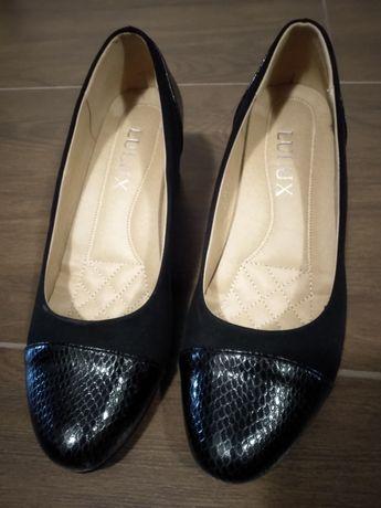 Официални дамски обувки, номер 39, естествена кожа