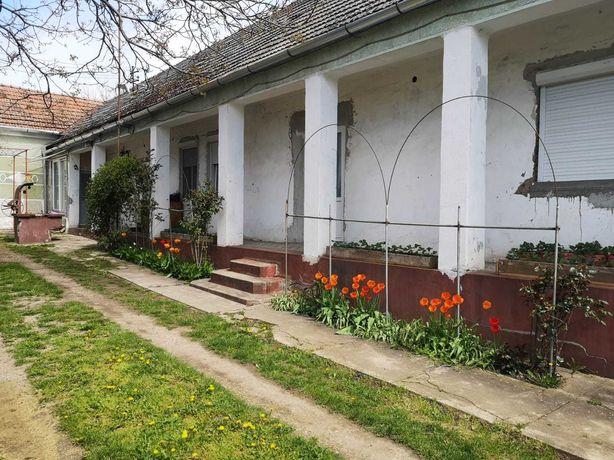 Vand/schimb casa in Alunis 1300 mp cu apartament/garsoniera