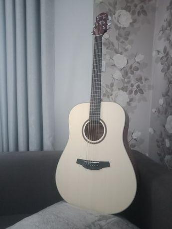 Гитара новая акустическая