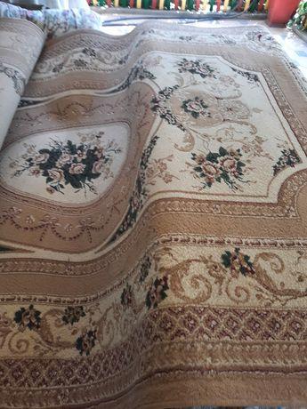 Продам ковёр 5*2 м
