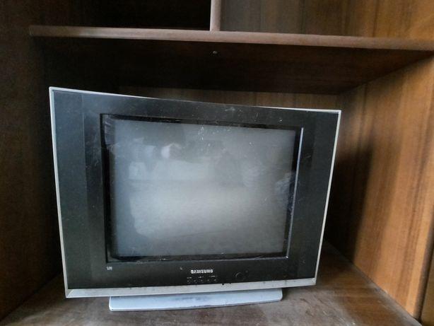 Продам телевизор б/у Samsung