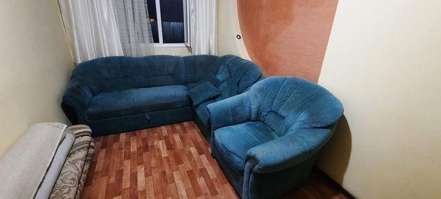 Продам диван с креслой