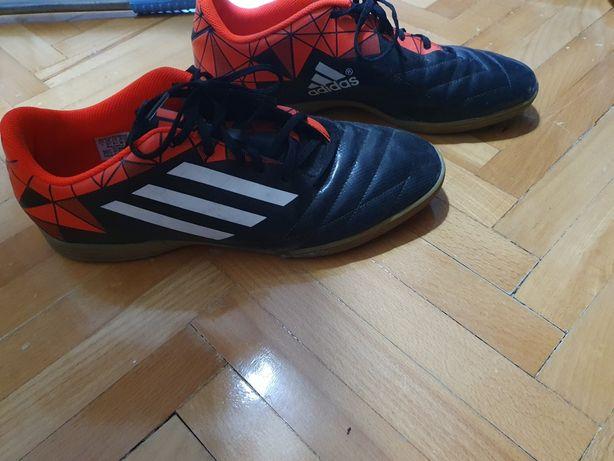 Adidasi adidas nr 45