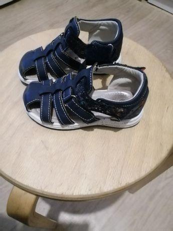 Летние сандалики и кроссовки для мальчиков, 24, 26размер
