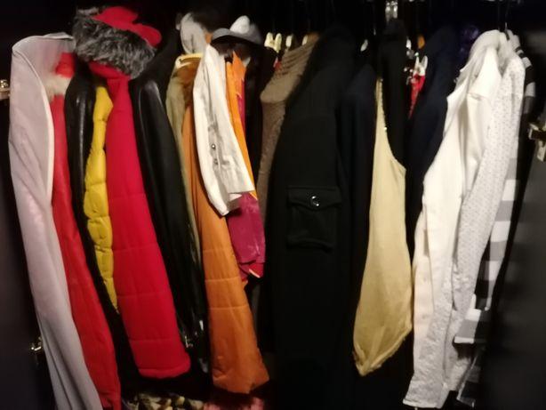 Vând haine seconda hand, compot de fructe și gemuri