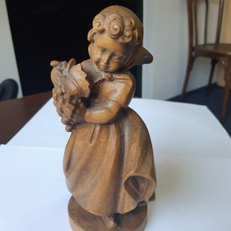 Statueta din lemn Fetița cu struguri