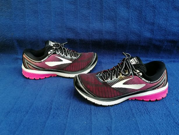 BROOKS GHOST 10, mărimea 40,5, interior talpă 26 cm.