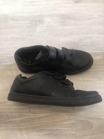 Продам туфли на мальчика 38-й размер Clarks