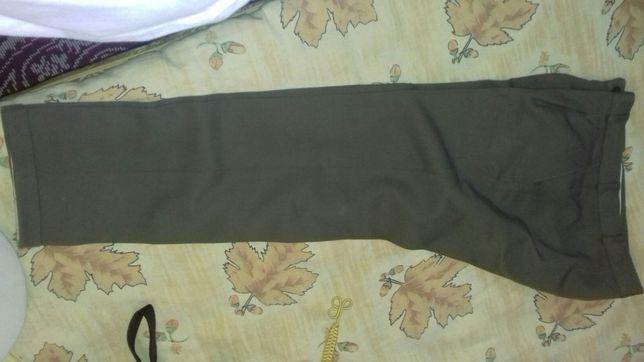 Vand pantaloni militari ținută de vara