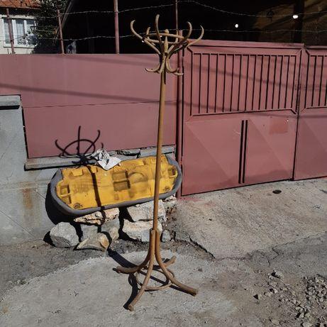 Дървена стара закачалка-антика