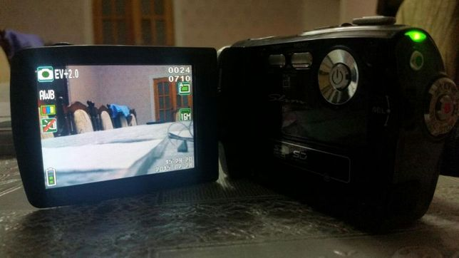 Продам Видеокамера Sony почти новый