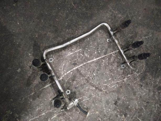 Продам топливную рампу с форсунками Ауди С4 А6 двигатель ААН 12 клапан