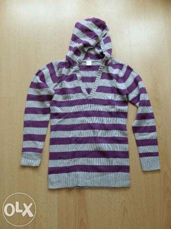 нов пуловер с качулка ръст 156 см