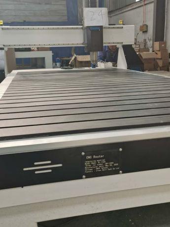 Фрезерно-гравировальный станок с ЧПУ 2100х3000 мм, 3.2 кВт