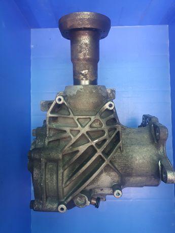 Cutie transfer(diferential)volvo xc 70 awd motor 2,4 diesel automat e5