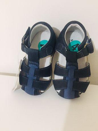 Нови сандали за момче