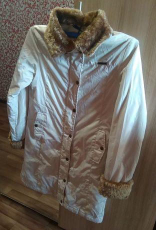 Продам куртку женскую 10000тг
