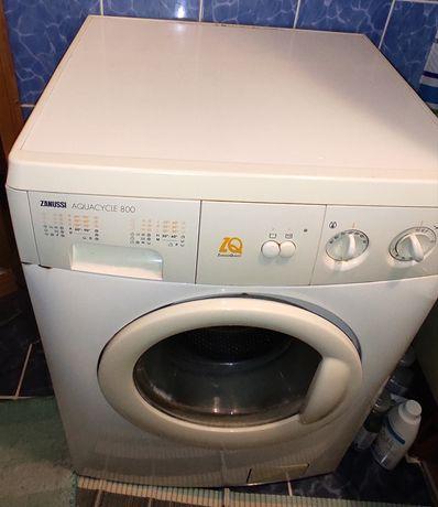 Продам стиральную машину Zanussi FA 822