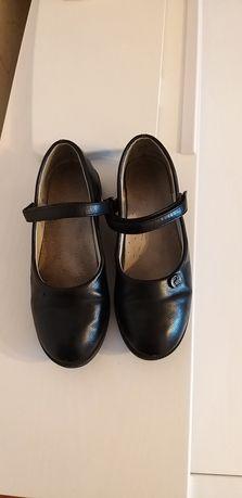Школьные туфли 32р.