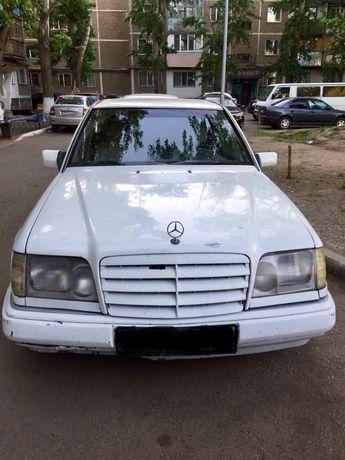 Мерседес W124