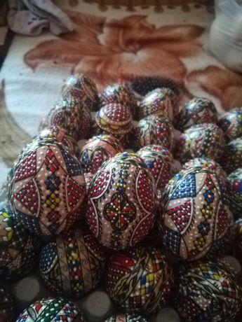 Oua încondeiate pe cearã