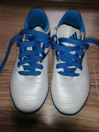 Adidas pentru fotbal