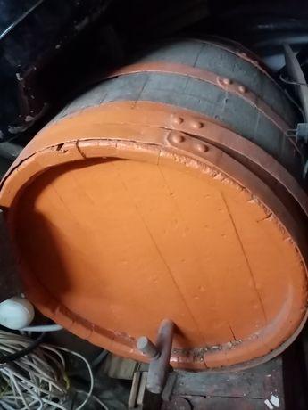 Butoi din lemn pt vin  300 litri