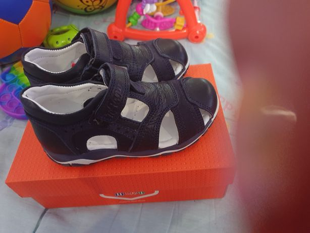 Новые сандали tiflani 26 размер