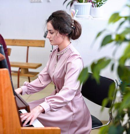Репетитор по фортепиано,теории музыки, гармонии