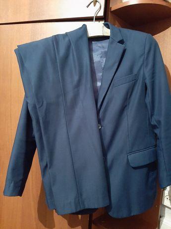 Школьный костюм на 11-12лет