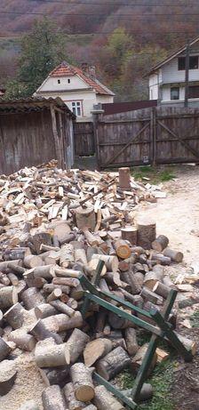 Crapam lemne de foc