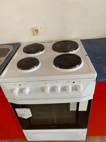 Продам электрическую плиту  30000