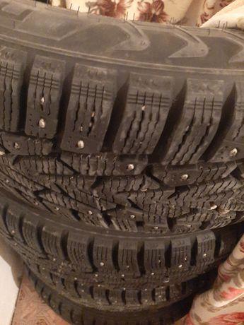 Продам шины почти новый нокиан новый поч тоиотаға келед ризина жумсақ