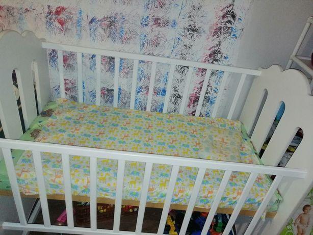 Детский кроватка