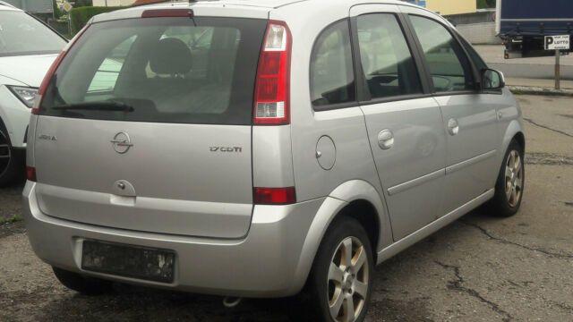 Dezmembrez Opel Meriva 1.7cdti An.2005